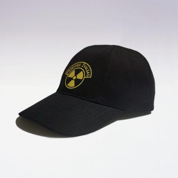 Kepurė su Praeities Žvalgo logotipu